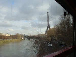 Metro Eiffle Tower View
